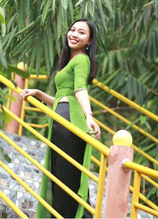 Ao Dai Vietnam Lime Green 3