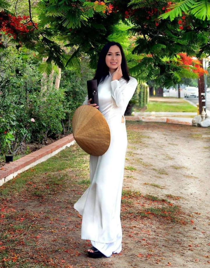Shop Vietnam Ao Dai White Satin 3