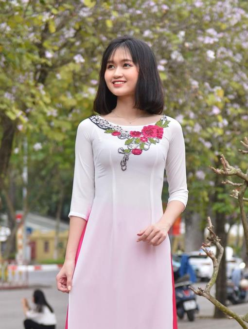 Embroidery floral Ao Dai
