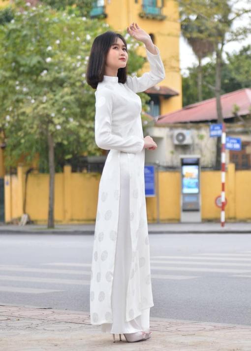 White Brocade Ao Dai 2