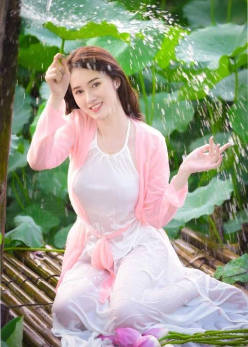 Bavoir rose doux Ao Yem 2
