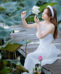Bavoir Vietnam blanc 1