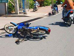 Een motorbike-ongeluk in Bangkok