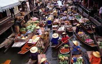 Top-10 van drijvende markten rond Bangkok