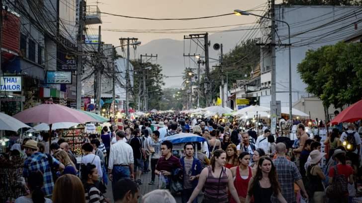 Weekendmarkt van Chiang Mai (video)