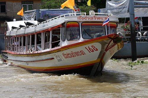 Extra boten in Bangkok tijdens Shutdown