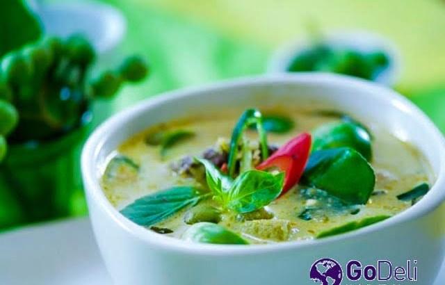 Thaise Groene Curry met Kip (Geng Kheaw Waan Gai)