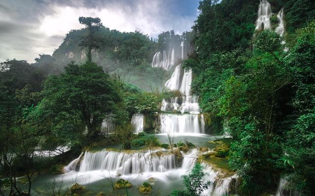 Watervallen in Thailand beklimmen: wees voorzichtig
