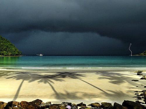 Thaise eilanden in het regenseizoen : welke wel en welke niet?