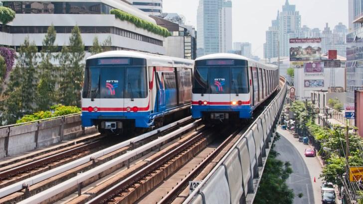 Hoe werkt de BTS Skytrain in Bangkok?