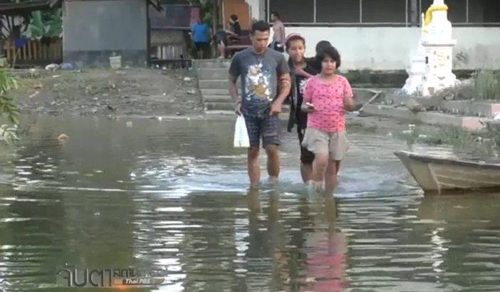 Negentig doden door overstromingen in Thailand