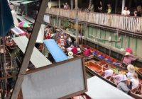 Erg druk op drijvende markt Damnoen Saduak