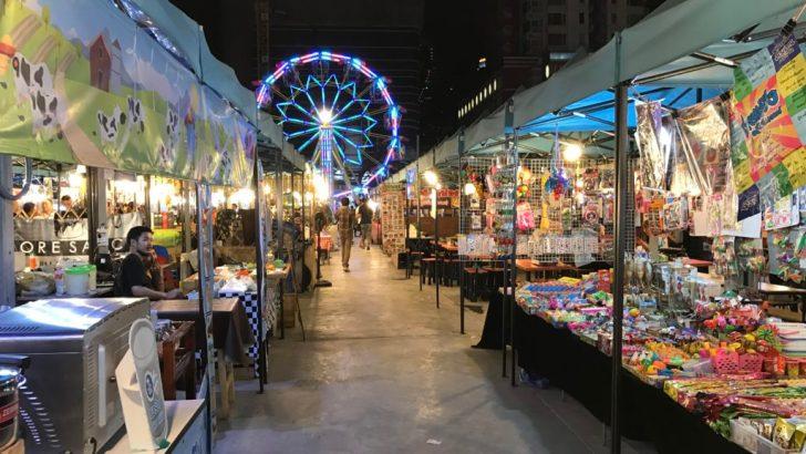 De neon-avondmarkt van Bangkok: Talad Neon