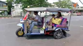 Oplichters bij Wat Phra Kaew aangepakt
