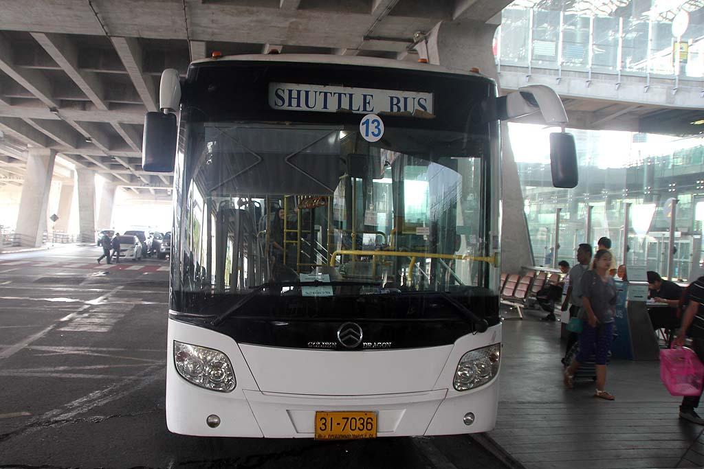 Gratis shuttlebus tussen Suvarnabhumi en Don Mueang Airport