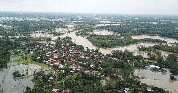 Overstromingen tijdens regenseizoen in Thailand