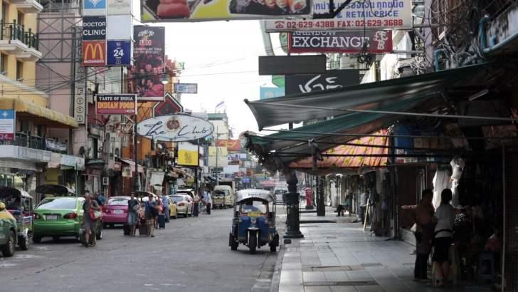 Khao San Road ligt er verlaten bij