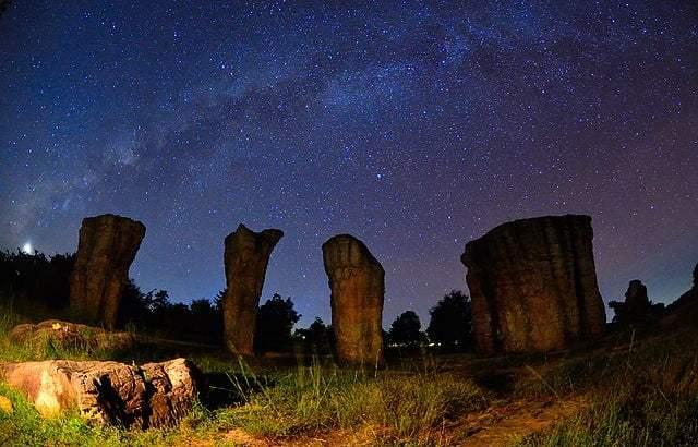 Mo Hin Khao, Thailands Stonehenge