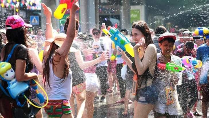 Straf voor watergooien tijdens Songkran?