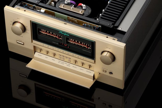 Accuphase E 800 Precision Integrated Stereo Amplifier 03