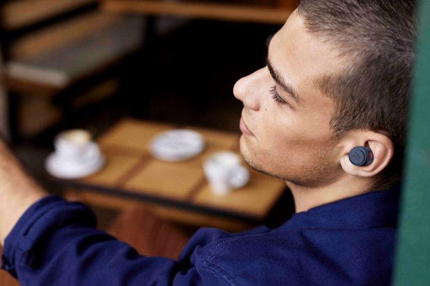JBL LIVE 300TWS True wireless Headphones 04