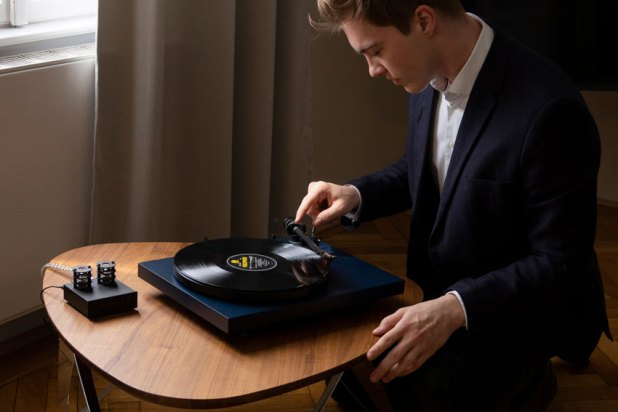Pro Ject DEBUT Carbon EVO 05
