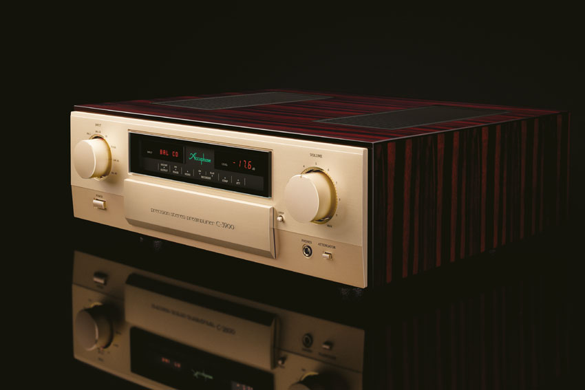 Accuphase C 3900 Precision Stereo Preamplifier 02