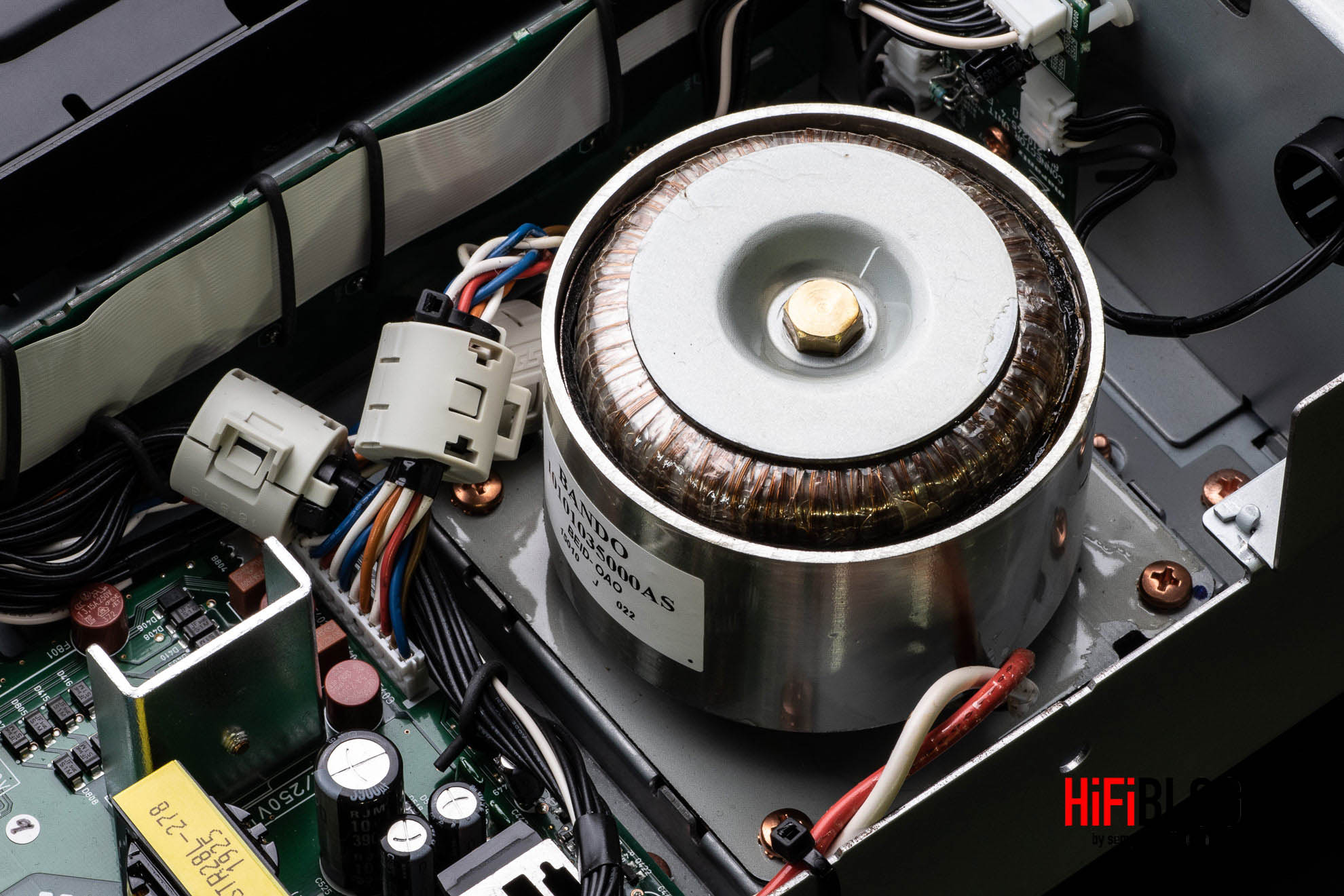 Marantz Model 30 Integrated Amplifier and SACD 30n Network SACD Player 59
