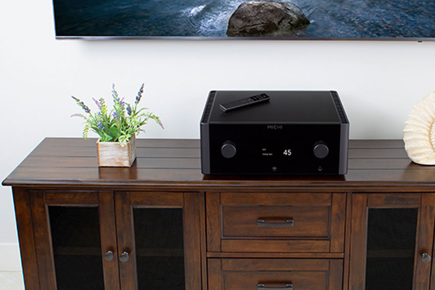 Rotel MICHI X3 Integrated Amplifier and Rotel MICHI X5 Integrated Amplifier 03