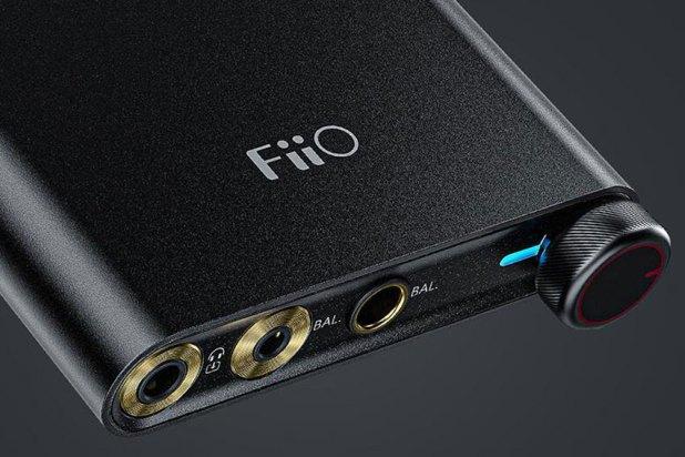 FiiO Q3 THX Balanced DAC Amplifier 01
