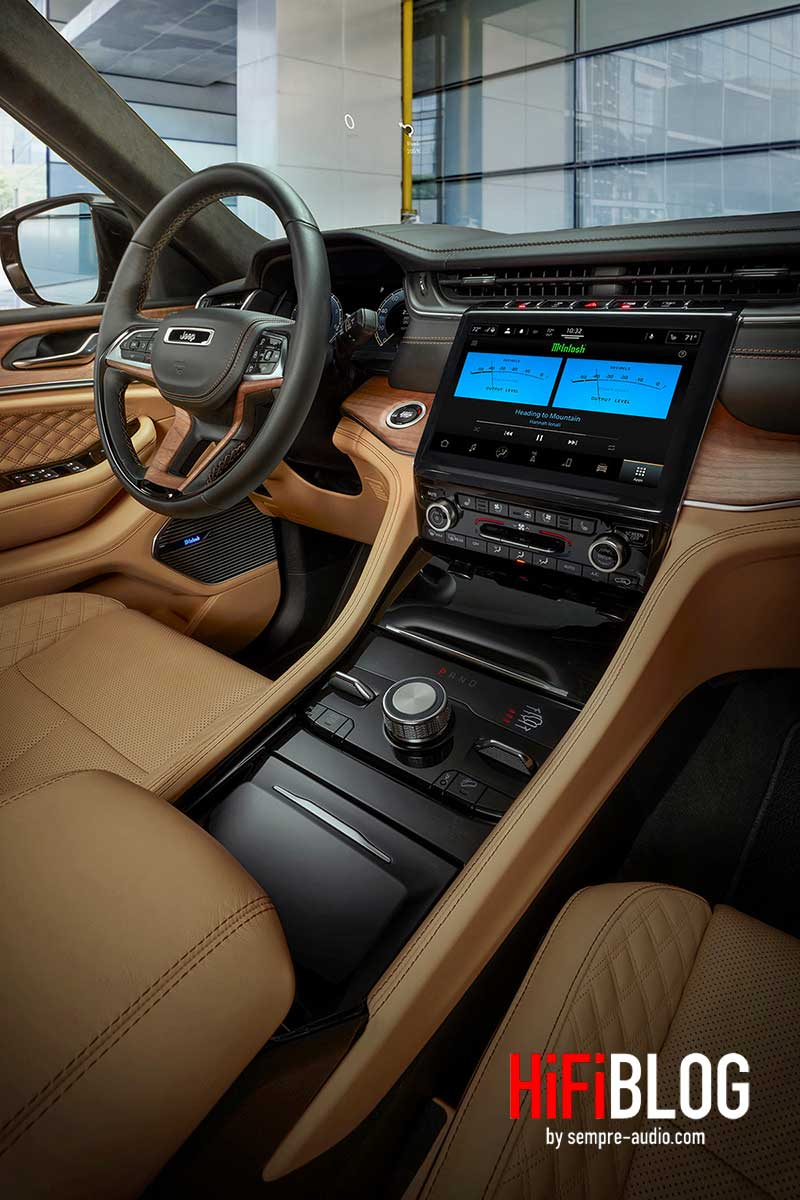 McIntosh MX950 Entertainment System im Jeep Grand Cherokee L 01