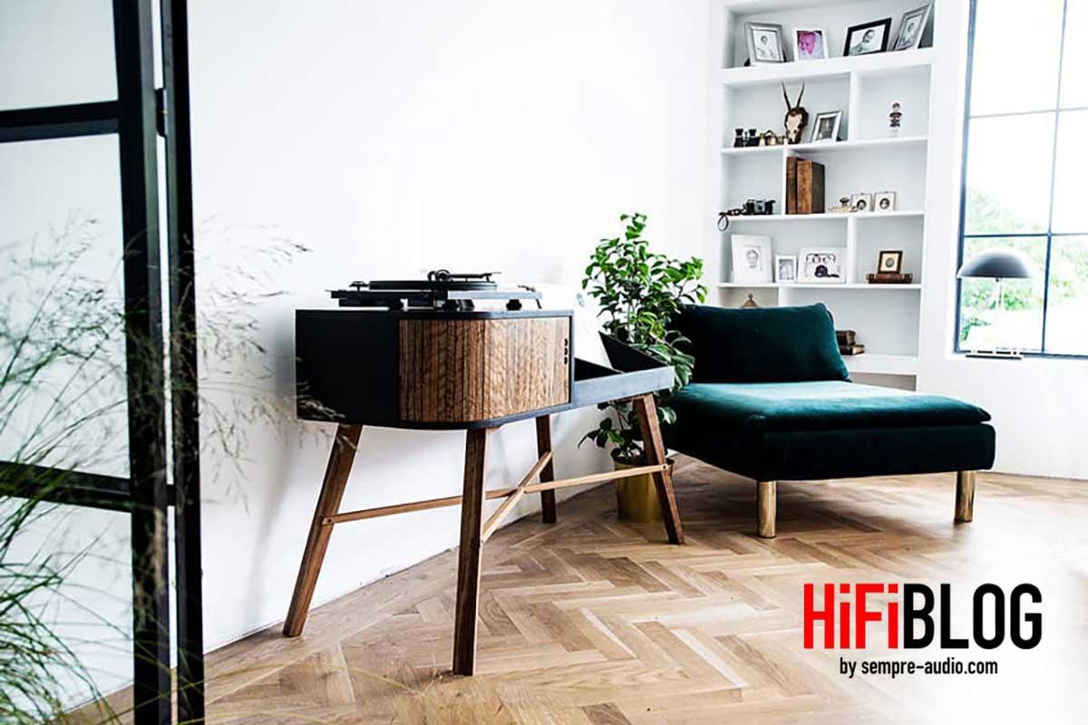 HRDL The Vinyl Table 01