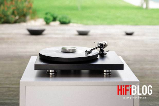 Pro Ject Debut PRO 30th Anniversary Turntable 10