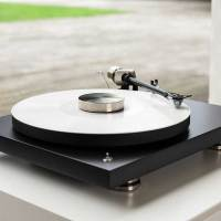 Pro-Ject Debut PRO 30th Anniversary Turntable