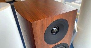Foto © System Audio A/S | System Audio Silverback Series Walnut Finish