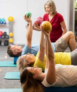 medicine ball physiotherapy exercise