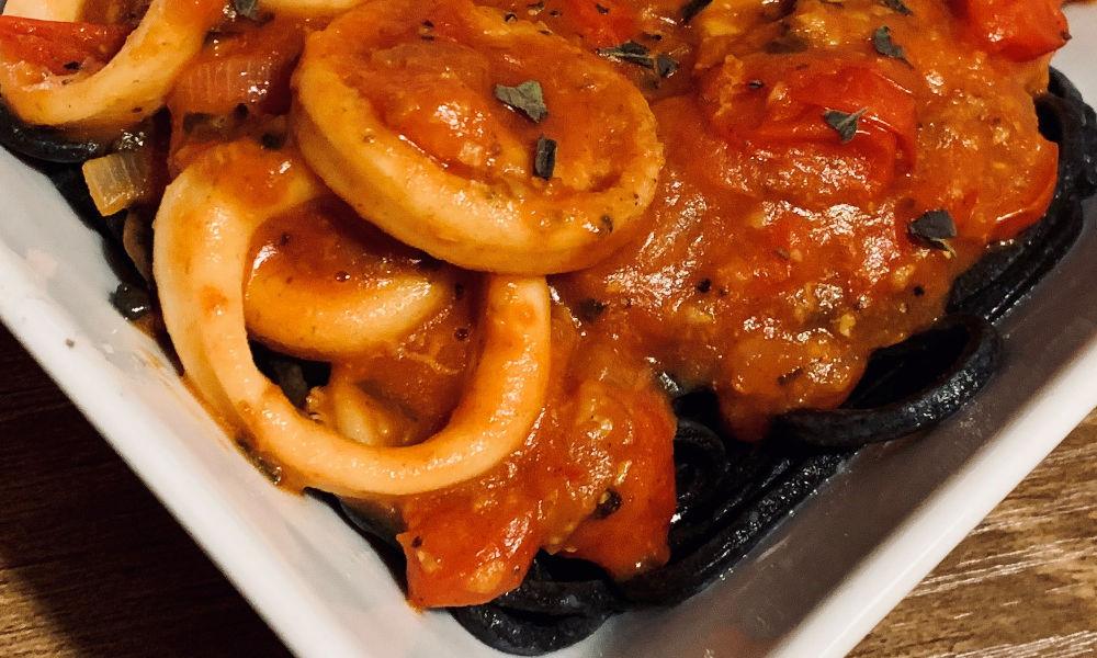 Nerdy Lasagna: Super Lemon Haze, Watchmen and Squid Ink Spaghetti with Calamari