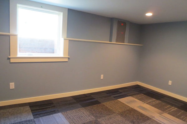 4219-SE-Clinton-St–downstairs-living-room