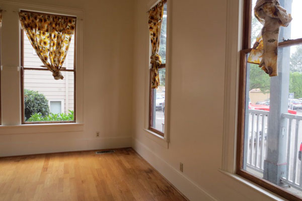 Spacious-Victorian–front-room