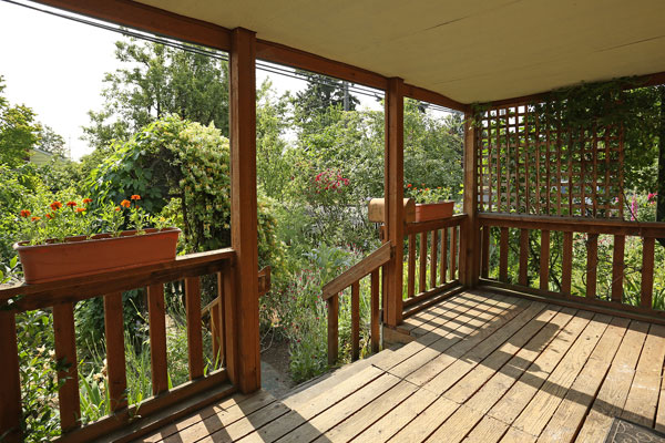 1405-NE-79th-Ave–frontporch2