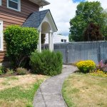 3757-SE-Clay-St–front-lawn