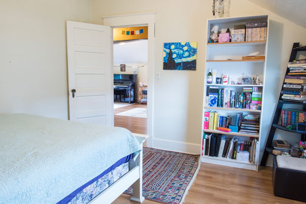 3757-SE-Clay-St–upstairs-bedroom