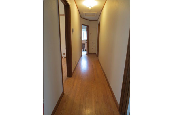 3536-SE-76th,-FosterPowell-Traditional–hall