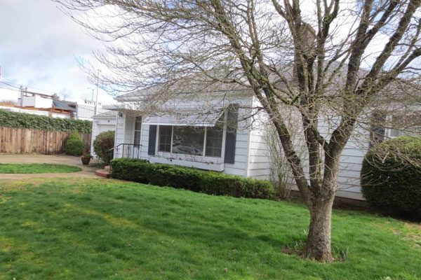 3536-SE-76th,-FosterPowell-Traditional-yard3