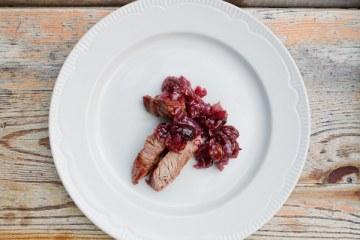 T-Bone-Steak mit Cranberry-Salsa