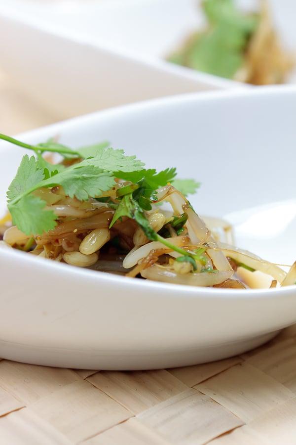 Gedämpfter Bambussprossen-Salat