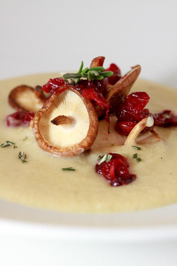 Kartoffel-Sellerie-Suppe mit Cranberry-Chutney und Amaretto (vom virtuellen Koch-Event mit Matthias Ruta)