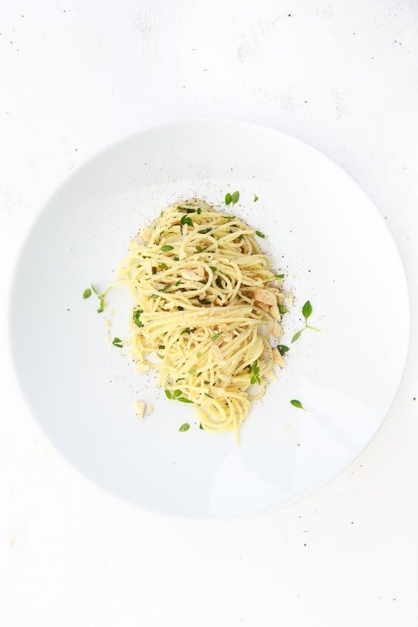 Spaghetti al Limone mit Ziegenkäse und Basilikum