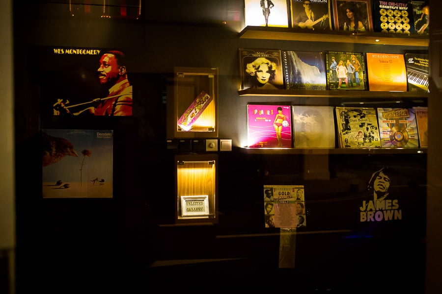 bar-the-library-singapore-5