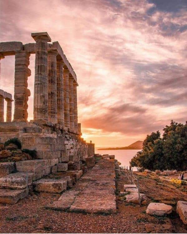 Budget travel in Greece